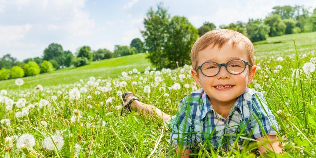 Wer kommt für die Kosten von Kinderbrillen auf?